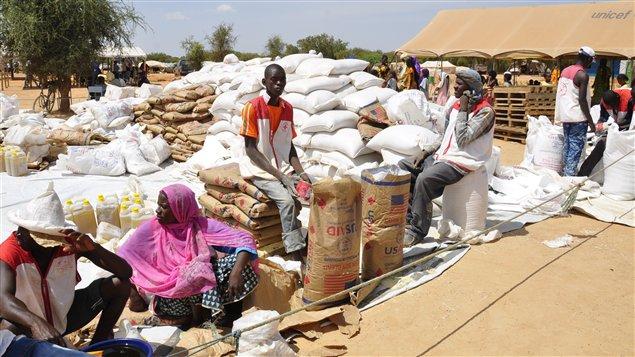afp_121025_lh6h9_mali-refugies-humanitaire_sn635-2.jpg